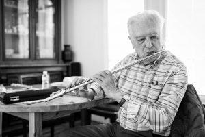Le flûtiste Enzo Gieco